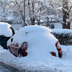 Auto von Schnee befreien